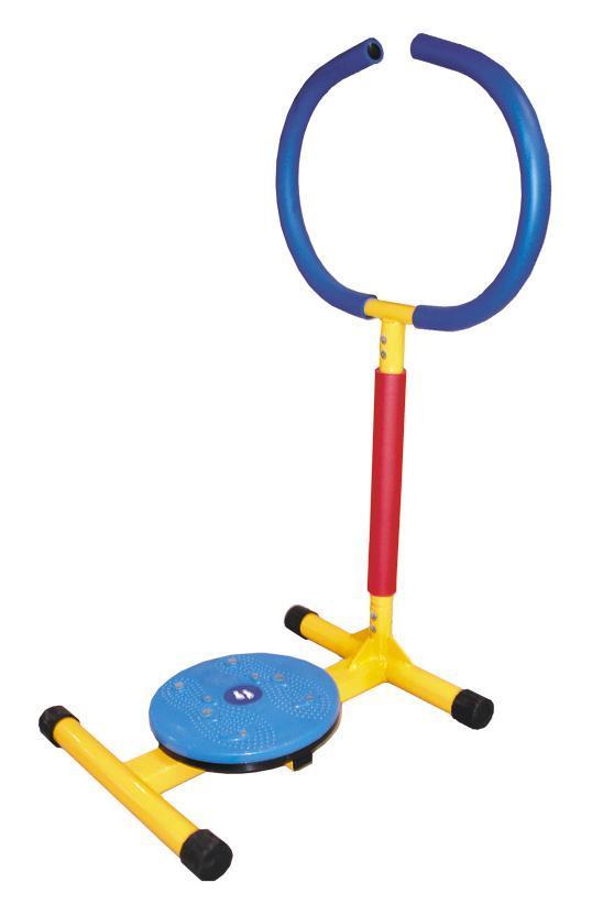 """Детский тренажер """"Мини-твист"""" с поворотным диском, имеющим массажное покрытие, основывается на воздействии на определенные точки, находящиеся на подошве ступни, и служит для общего укрепления организма. Яркий дизайн этого тренажера вызывает восторг у детей и делает спортивные занятия веселыми и увлекательными. Тренажен изготовлен из безопасных для детей материалов. Ручки оформлены неопреновым покрытием. Неопрен в течение всей тренировки отводит выделяющуюся влагу из зоны контакта с телом, оставляя поверхность сухой и не позволяя выскальзывать. Конструкция очень прочная и устойчивая. Тренажер можно применяться как дома, так и в любых детских учреждениях, комнатах отдыха. К тренажеру прилагается инструкция по эксплуатации на русском языке."""