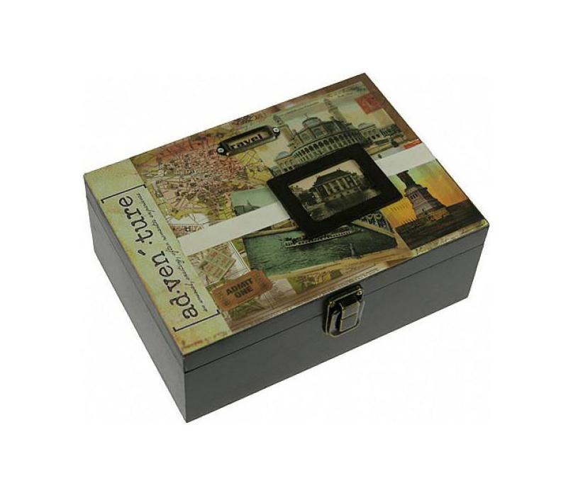 Шкатулка 21*8*15см 39303PARIS 75015-8C ANTIQUEШкатулка Русские подарки 39303 подойдет для хранения фотографий, денег или документов. С ней вы сможете внести в интерьер частичку элегантности. Данная модель выполнена из качественных материалов и станет оригинальным подарком. Материал: MDF, бумага, эл. металла; цвет: светло-зеленый