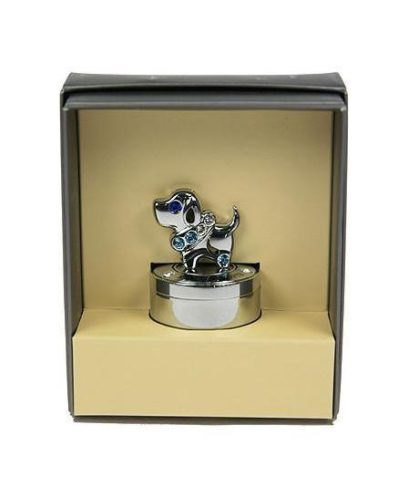 Шкатулка Первый зубик 67672709733Шкатулка Русские подарки Первый зубик 67672 сохранит зубик вашего ребенка в первозданном виде. С ней вы сможете внести в интерьер частичку элегантности. Данная модель выполнена из качественных материалов и станет оригинальным подарком. Материал: металл (углерод. сталь, покр. хром), австрийские кристаллы; цвет: серебристый