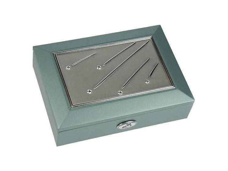 Шкатулка ювелирная Moretto, цвет: светло-зеленый, 18 см х 13 см х 5 см. 3992639835Шкатулка Русские подарки MORETTO 39926 - это оригинальный и стильный подарок. Эта модель сохранит ваши ювелирные изделия в первозданном виде. С такой шкатулкой вы сможете внести в интерьер частичку элегантности. Характеристики:Материал: МДФ, металл (алюминий), стекло, текстиль, ПМ. Размер шкатулки: 18 см х 13 см х 5 см. Размер отделения шкатулки (Д х Ш х Г): 5 см х 10,5 см х 3 см. Размер зеркала: 12 см х 7 см. Размер упаковки: 19 см х 14 см х 6 см. Артикул: 39926.