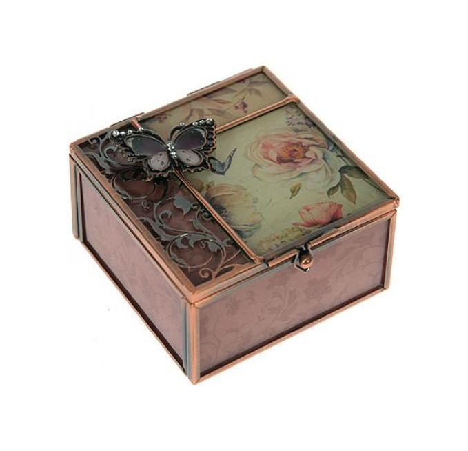 Шкатулка Пионы 9*9*5смRG-D31SШкатулка Русские подарки Пионы 78818 сохранит ваши ювелирные изделия в первозданном виде. С ней вы сможете внести в интерьер частичку элегантности. Данная модель выполнена из качественных материалов и станет оригинальным подарком. Материал: стекло, металл (железо, сплав олова), акрил; цвет: розовый