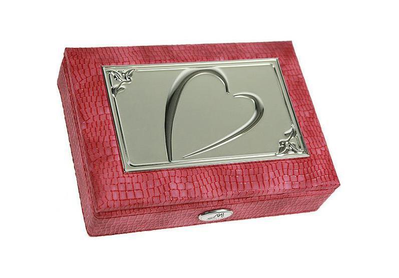 Шкатулка ювелирная MORETTO 18*13*5см 139532BО-052Оригинальная шкатулка Русские подарки MORETTO 139532 сохранит ваши ювелирные изделия в первозданном виде. С ней вы сможете внести в интерьер частичку элегантности. Данная модель выполнена из качественных материалов и станет оригинальным подарком. Материал: кож. зам., MDF, металл (алюминий), стекло, текстиль, ПМ; цвет: розовый