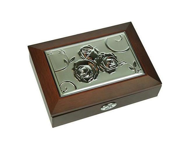 Шкатулка ювелирная Moretto, цвет: коричневый, 18 х 13 х 5 см 39833RG-D31SОригинальная шкатулка Русские подарки MORETTO 39833 сохранит ваши ювелирные изделия в первозданном виде. С ней вы сможете внести в интерьер частичку элегантности. Данная модель выполнена из качественных материалов и станет оригинальным подарком. Характеристики:Материал: МДФ, металл (алюминий), стекло, текстиль, ПМ. Размер шкатулки: 18 см х 13 см х 5 см. Размер отделения шкатулки (Д х Ш х Г): 5 см х 10,5 см х 3 см. Размер зеркала: 12 см х 7 см. Размер упаковки: 19 см х 14 см х 6 см. Артикул: 39833.