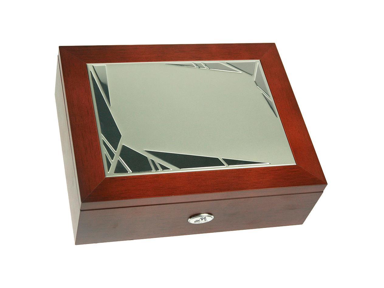 Шкатулка для мужчин Moretto, 24 см х 19 см х 8 см. 13954843697Шкатулка Русские подарки MORETTO 139548 сохранит ваши ювелирные изделия в первозданном виде. С ней вы сможете внести в интерьер частичку элегантности. Данная модель выполнена из качественных материалов и станет оригинальным подарком. Характеристики: Материал: дерево (МДФ), металл (алюминий), текстиль. Цвет: коричневый. Размер шкатулки (ДхШхВ): 24 см х 19 см х 8 см.