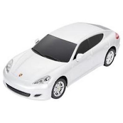 Радиоуправляемая модель автомобиля Rastar Porsche Panamera 1:24 46200 повторяет настоящий автомобиль в масштабе 1:24. Модель движется назад, вперед, влево, вправо и может развить скорость 7 км/ч. Управлять ею легко и приятно, любая гонка принесет удовольствие. Дальность управления пульта составляет 15-45 метров. Машина изготовлена из пластика.