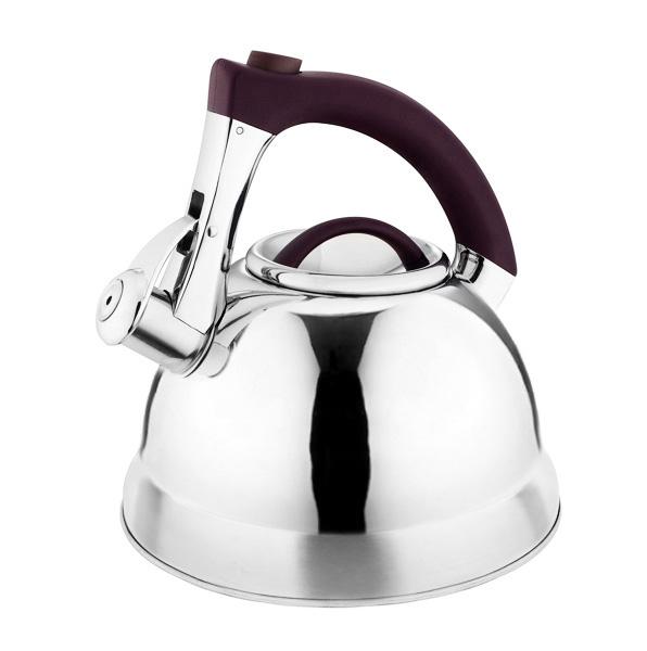 Чайник Laracook, со свистком, цвет: коричневый, 3 л. LC-0633115510Чайник Laracook выполнен из нержавеющей стали высокой прочности с матовой полировкой. Чайник оснащен откидным свистком, который громко оповестит о закипании воды. Удобная эргономичная ручка выполнена из бакелита. Такой чайник идеально впишется в интерьер любой кухни и станет замечательным подарком к любому случаю. Подходит для всех типов плит, включая индукционные. Можно мыть в посудомоечной машине. Диаметр чайника по верхнему краю: 9,5 см. Диаметр индукционного диска: 22 см. Высота чайника (с учетом ручки): 23 см.