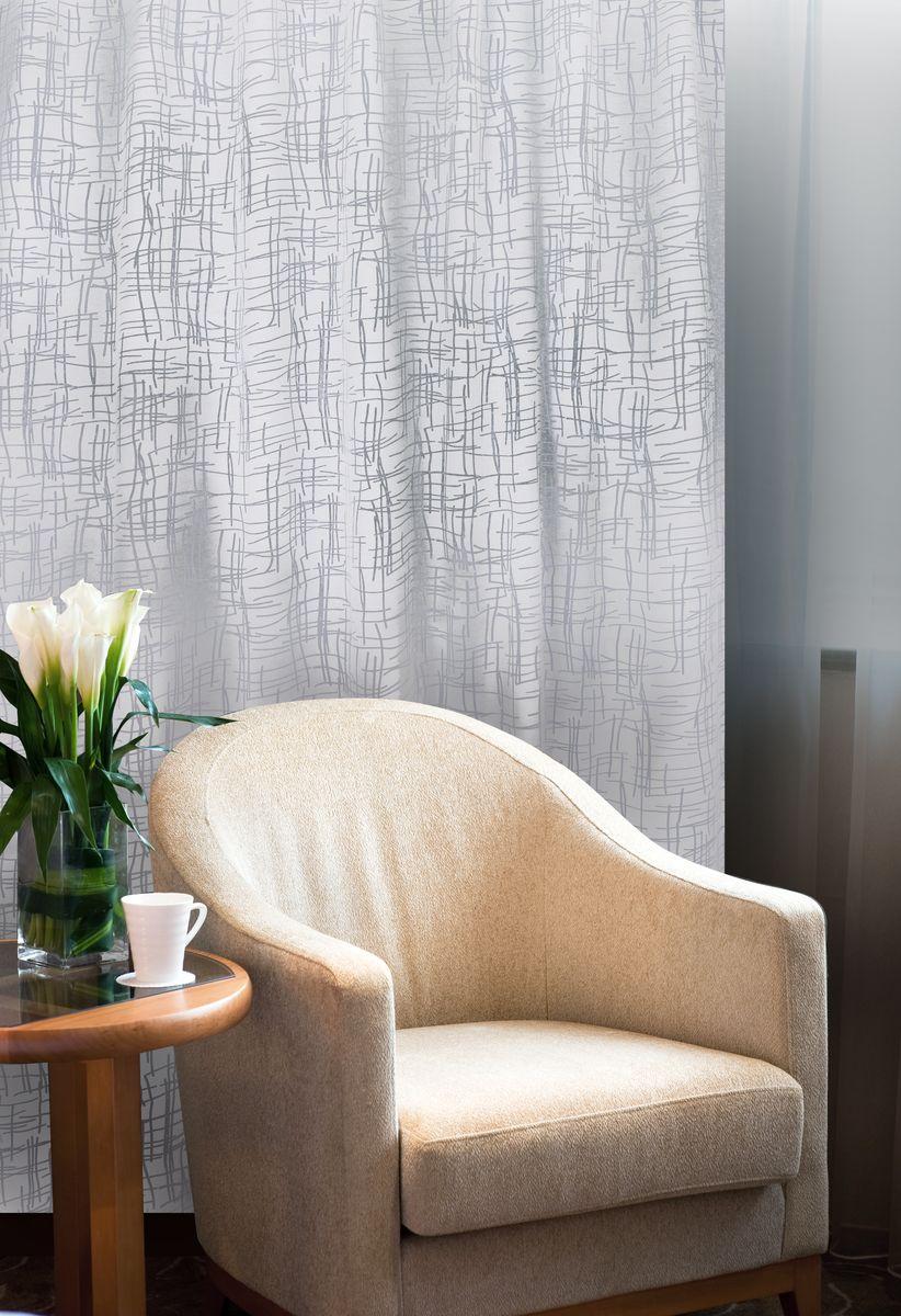 Штора Home Queen Линии, на петлях, цвет: белый, высота 250 смStormИзящная штора Home Queen Линии выполнена из 60% полиэстера и 40% вискозы. Штора с приятной фактурой и современным дизайном выполнена в оригинальной технике выжженных волокон burn out. Полупрозрачная ткань и стильный графический принт привлекут к себе внимание и органично впишутся в интерьер помещения. Такая штора идеально подходит для солнечных комнат. Мягко рассеивая прямые лучи, она хорошо пропускает дневной свет и защищает от посторонних глаз. Отличное решение для многослойного оформления окон. Эта штора будет долгое время радовать вас и вашу семью!Штора крепится на карниз при помощи петель.