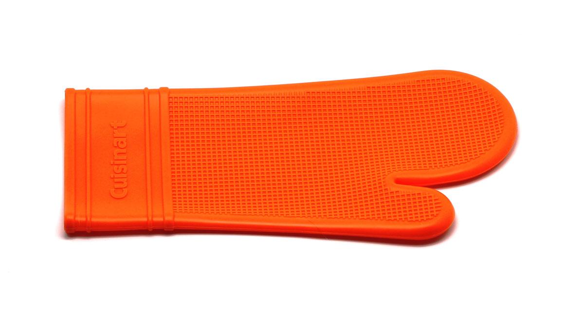 Прихватка-варежка, цвет: оранжевыйAMC-00070Силиконовая прихватка-варежка выдерживает до 230°С. Эластичная , износостойка, влагонепроницаема, легко моется. Прихваткой можно брать не только горячие, но и холодные предметы, а также влажные и скользкие.