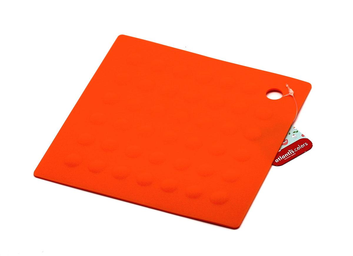 Подставка под горячее квадратная, цвет: оранжевый115510Подставка под горячее квадратная, станет незаменимым помощником на кухне. Оригинальный дизайн внесет свежесть и новизну в интерьер вашей кухни. Выдерживает температуру до +230°С, не впитывает запахи и легко моется в посудомоечной машине.