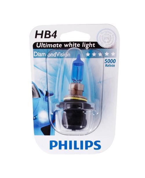 Лампа автомобильная галогенная Philips DiamondVision, для фар, цоколь HB4 (P22d), 12V, 55WRC-100BWCАвтомобильная галогенная лампа Philips DiamondVision произведена из запатентованного кварцевого стекла с УФ фильтром Philips Quartz Glass. Кварцевое стекло Philips в отличие от обычного твердого стекла выдерживает гораздо большее давление смеси газов внутри колбы, что препятствует быстрому испарению вольфрама с нити накаливания. Кварцевое стекло выдерживает большой перепад температур, при попадании влаги на работающую лампу изделие не взрывается и продолжает работать. Лампа DiamondVision с чистым белым светом, цветовой температурой 5000 K и стильным эффектом холодного белого ксенонового света идеально подходит для водителей, которые хотят придать индивидуальный стиль своему автомобилю. Автомобильные галогенные лампы Philips удовлетворят все нужды автомобилистов: дальний свет, ближний свет, передние противотуманные фары, передние и боковые указатели поворота, задние указатели поворота, стоп-сигналы, фонари заднего хода, задние противотуманные фонари, освещение номерного знака, задние габаритные/стояночные фонари, освещение салона.