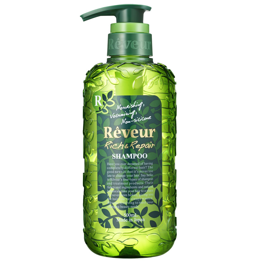Reveur Шампунь для волос Питание и восстановление, 500 млFS-36054Reveur Питание и восстановление - безсиликоновый, создан на основе трех специальных природных компонентов: белка масла кукурузы, масла арганы, экстракта катрана, и четырнадцати растительных экстрактов, таких как: масло ши, масло макадами, масло оливы, масло шафрана, экстракт рисовых отрубей, масло подсолнечника, гидролизированный белок гороха, экстракт лимониума, экстракт свеклы, экстракт ромашки, экстракт яблока, экстракт амачя, экстракт шалфея, экстракт лемонграсса, питающих волосы и возвращающих им естественный и здоровый вид. Рекомендуется для: слабых волос, не держащих объем, волос, потерявших упругость и эластичность, не поддающихся укладке, сильно поврежденных волос, кудрявых волос, создания красивых локонов.Шампунь Reveur не содержит силикон.Имеет элегантный и теплый восточный аромат Oriental Floral.Рекомендуется использовать вместе с бальзамом-кондиционером Reveur Rich & Repair. Эффект заметен уже после третьего применения, так как шампуню необходимо вымыть весь скопившийся ранее силикон, чтобы раскрыть свои свойства. Товар сертифицирован.