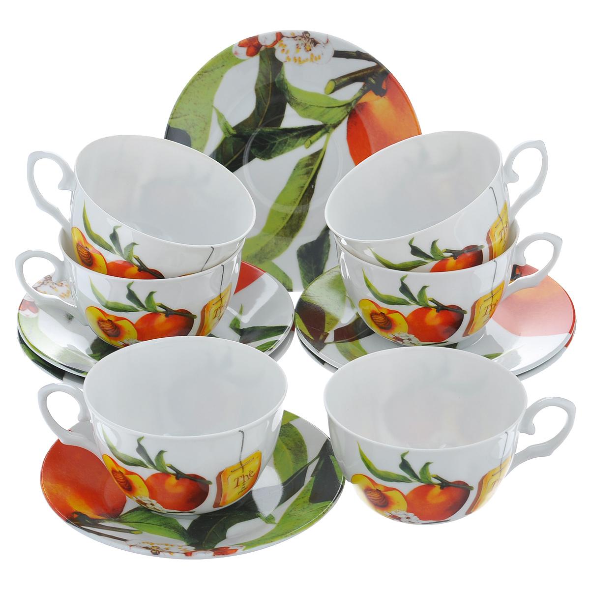 Набор чайный Larange Персик, 12 предметовVT-1520(SR)Чайный набор Персик, выполненный из высококачественного фарфора, состоит из шести чашек и шести блюдец. Изделия декорированы изображением персиков. Элегантный дизайн и совершенные формы предметов набора привлекут к себе внимание и украсят интерьер вашей кухни. Чайный набор Персик идеально подойдет для сервировки стола и станет отличным подарком к любому празднику.Чайный набор упакован в круглую подарочную коробку из плотного картона лимонного цвета. Внутренняя часть коробки задрапирована белой атласной тканью, и каждый предмет надежно крепится в определенном положении благодаря особым выемкам в коробке. Не использовать в микроволновой печи. Не применять абразивные чистящие вещества. Объем чашки: 225 мл.Диаметр чашки по верхнему краю: 9,5 см.Высота чашки: 6 см.Диаметр блюдца: 14,5 см.