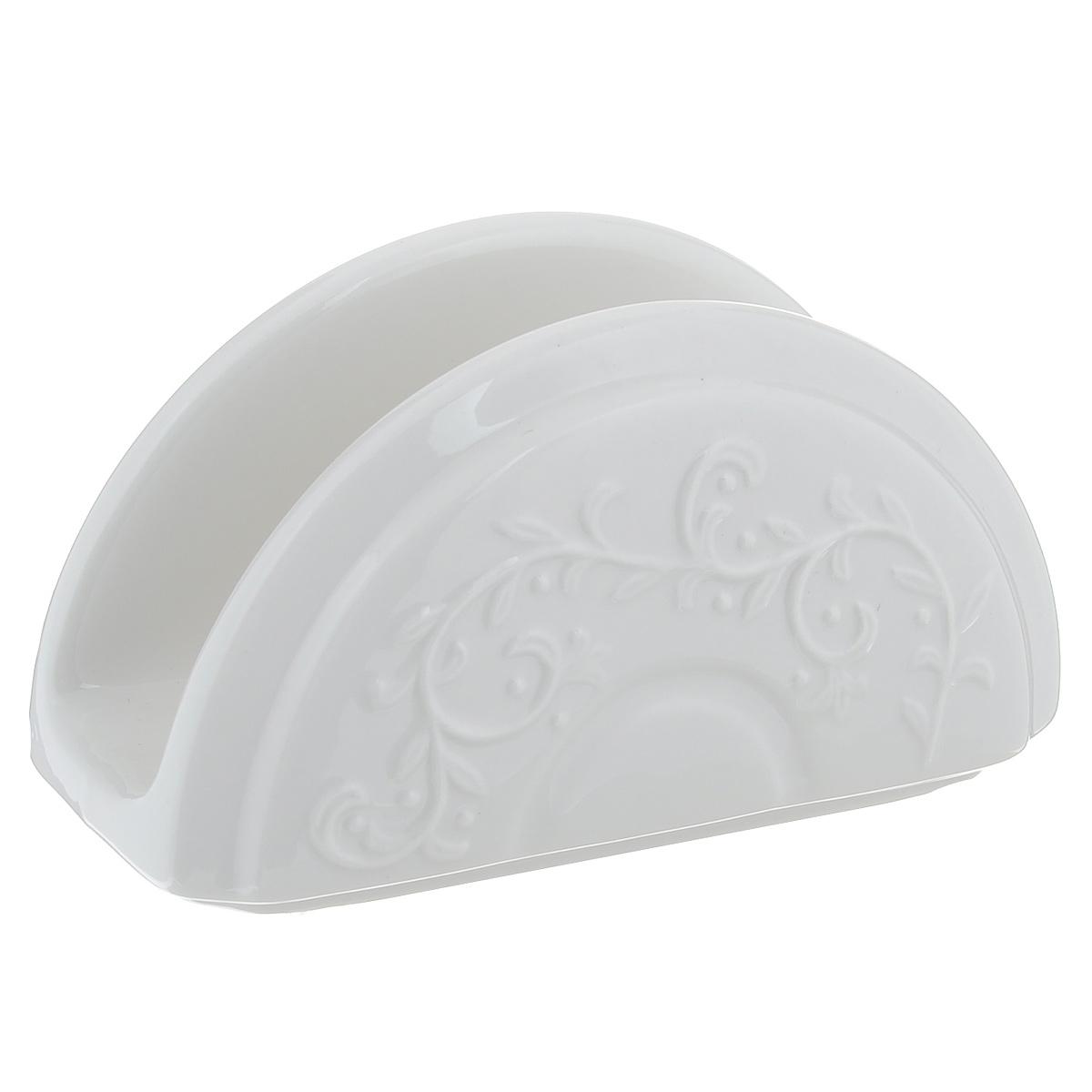 Салфетница Bennet АликантеVT-1520(SR)Салфетница Bennet Аликанте изготовлена из высококачественной керамики и декорирована оригинальным узором. Изделие обладает устойчивостью к механическим повреждениям, ударам, сколам и трещинам, благодаря добавлению алюмина, придающего прочность и безупречную белизну.Салфетница Bennet Аликанте станет изящным украшением вашего стола. Можно мыть в посудомоечной машине. Не применять абразивные чистящие средства. Размер салфетницы: 13,5 см х 6,5 х 7,5 см.