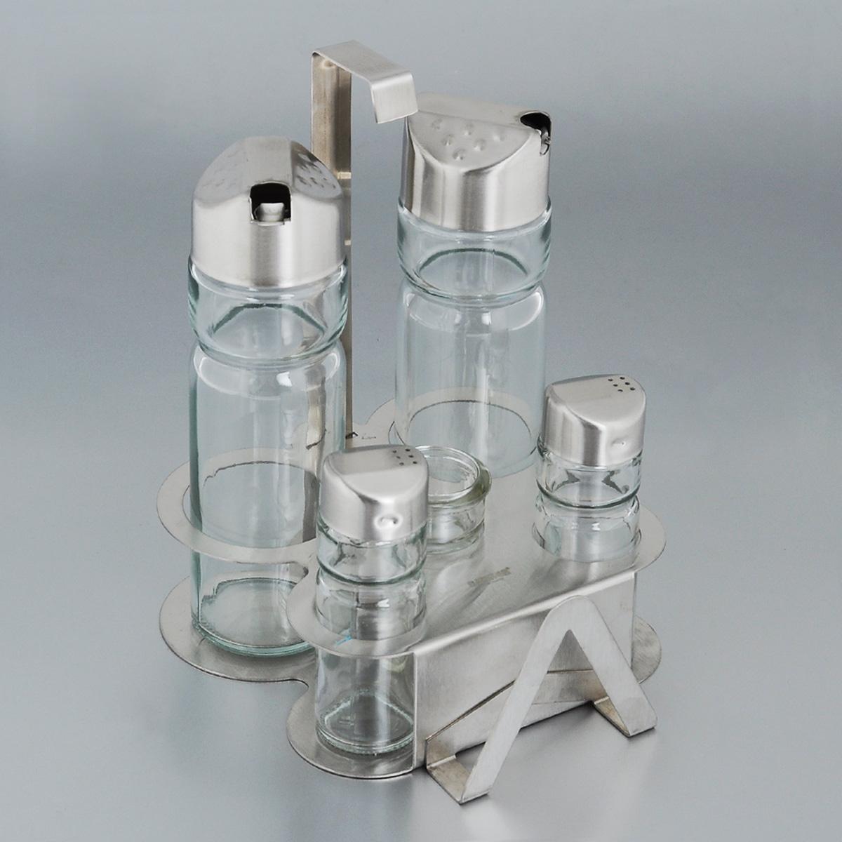 Набор для специй Bekker, 6 предметов. BK-3100 (24)650310Набор для специй Bekker состоит из солонки, перечницы, двух дозаторов для масла и уксуса, емкости для зубочисток и подставки. Емкости выполнены из стекла и оснащены металлическими крышками. В комплекте имеется подставка из нержавеющей стали с матовой полировкой. Подставка оснащена специальными выемками для емкостей и салфетницей.Такой набор стильно украсит кухонный стол, а благодаря качеству материалов и высококлассной обработке прослужит долгие годы.Высота солонки/перечницы: 9 см. Диаметр солонки/перечницы: 3 см. Высота емкости для зубочисток: 6 см. Диаметр емкости для зубочисток: 3 см. Высота дозаторов: 16 см. Диаметр дозаторов: 5 см. Размер подставки (ДхШхВ): 14,5 см х 14 см х 18 см. Высота солонки/перечницы: 9 см. Диаметр солонки/перечницы: 3 см. Высота емкости для зубочисток: 6 см. Диаметр емкости для зубочисток: 3 см. Высота дозаторов: 16 см. Диаметр дозаторов: 5 см. Размер подставки (ДхШхВ): 14,5 см х 14 см х 18 см.