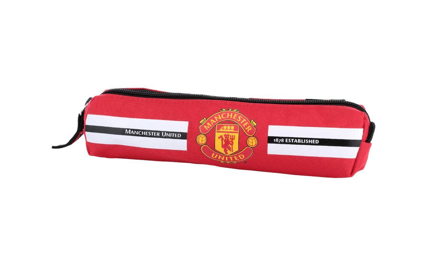 Пенал Размер 6 x 21 см. Manchester United FC191807_синий, надписиОтличный и вместительный пенал для мальчиков. Ваш ребенок любит футбол? Его любимая команда Manchester United? Тогда Вы обязаны приобрести именно отет продукт. Для современных и спортивных парней. Идеальный вариант для истинных фанатов.