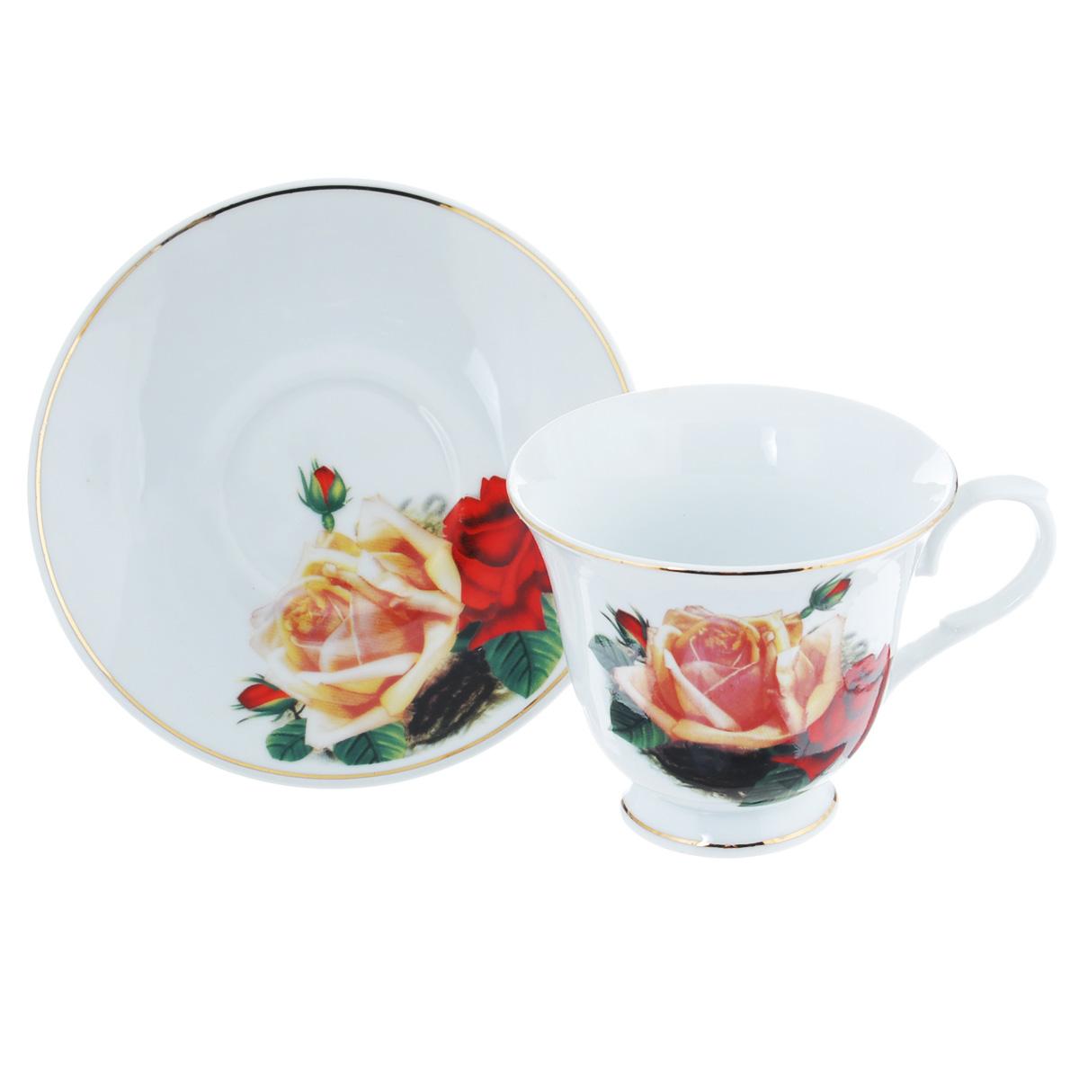 Чайная пара Lillo Поллианна, 2 предметаLIL 91032Чайная пара Lillo Поллианна сочетает в себе изысканный дизайн с максимальной функциональностью. Чашка с блюдцем выполнены из высококачественного фарфора и декорированы золотистой эмалью и цветочным принтом. Оформление придется по вкусу и ценителям классики, и тем, кто предпочитает утонченность и изысканность. Такая чайная пара станет отличным сувениром для ваших друзей и близких.Набор упакован в подарочную коробку, перевязанную атласной лентой.Не рекомендуется использовать в посудомоечной машине и микроволновой печи. Диаметр чашки по верхнему краю: 9,5 см.Высота чашки: 8 см.Объем чашки: 200 мл.Диаметр блюдца: 13,5 см.