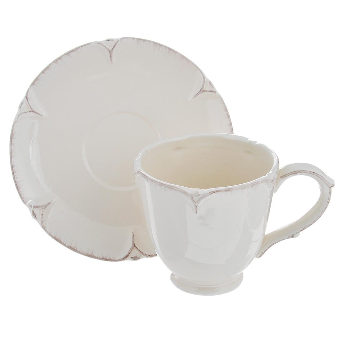 Чайная пара Lillo Ideal, 2 предмета. 214203VT-1520(SR)Чайная пара Lillo Ideal сочетает в себе изысканный дизайн с максимальной функциональностью. Чашка с блюдцем выполнены из высококачественной керамики. Оформление придется по вкусу и ценителям классики, и тем, кто предпочитает утонченность и изысканность. Такая чайная пара станет отличным сувениром для ваших друзей и близких.Можно использовать в посудомоечной машине и микроволновой печи. Диаметр чашки по верхнему краю: 9 см.Высота чашки: 9 см.Объем чашки: 300 мл.Диаметр блюдца: 15 см.