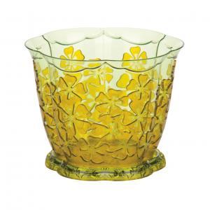 Горшок для орхидей Камелия, с поддоном, цвет: желтый, 1,5 л, диаметр 15,5 смL&L6149AЦветочный горшок Альтернатива Камелия выполнен из пластика и предназначен для выращивания в нем орхидей. Изделие декорировано рельефным цветочным рисунком. Такой горшок порадует вас современным дизайном и функциональностью, а также оригинально украсит интерьер помещения. К горшку прилагается поддон.Объем горшка: 1,5 л. Диаметр горшка (по верхнему краю): 15,5 см.