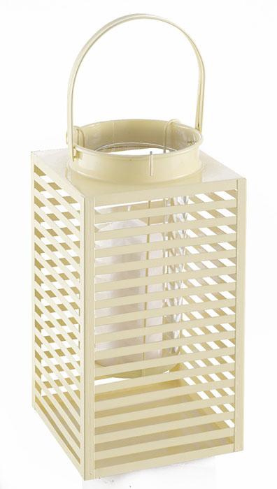 Подсвечник Gardman Orion, цвет: кремовый, 16,5 х 30 см19765кДекоративный подсвечник Gardman Orion порадует каждого, кто его увидит. Подсвечник выполнен из металла в виде прямоугольной корзины, оснащенной внутри пластиковой емкостью для размещения свечи. Емкость подвешивается на специальные крючки за край подсвечника. Изделие оснащено металлической ручкой. Теплое мерцание пламени свечи подарит вам настроение волшебства и торжественности. Создайте в своем доме атмосферу уюта, преображая интерьер стильными, радующими глаза предметами. Размер подсвечника: 16,5 см х 16,5 см х 30 см.Высота емкости для свечи: 17 см.Диаметр емкости для свечи (по верхнему краю): 9 см.Высота ручки: 13 см.