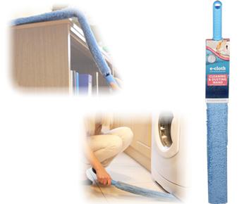 Щетка для уборки для труднодоступных мест E-cloth, гибкая, цвет: голубой531-105Щетка гибкая для уборки E-cloth идеальна для удаления пыли, пуха, паутины втруднодоступных местах - на шкафах, за батареями, под мебелью и т.п. Имеет съемныйрукав, изготовленный из полиэстера, который можно стирать в стиральной машине. Рукаввыдерживает до 300 циклов стирки без потери эффективности. Съемный рукав способенудалять жир, грязь, бактерии с помощью уникальной технологии использования микроволоконного материала, который намного превосходит традиционные средства очистки.Щетка имеет удобную ручку, изготовленную из пластика. Оригинальная, современная, удобная E-cloth сделает уборку эффективнее и приятнее.Стирка должна проводиться при температуре 60°С отдельно от тканей другого цвета. Размер щетки: 74 см х 7,5 см. Размер щетки: 74 см х 7,5 см.
