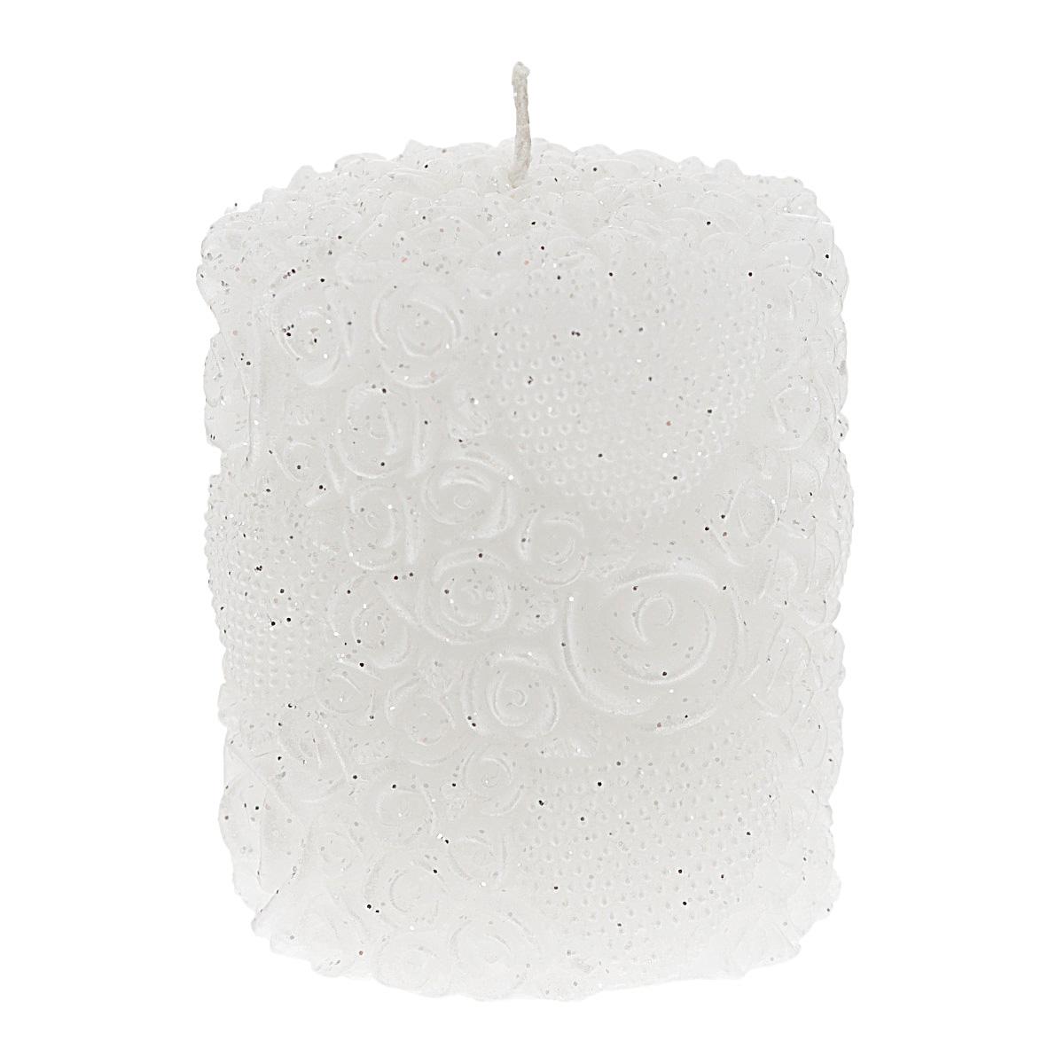 Свеча декоративная Win Max Белые розы, цвет: белый, 7 х 8 смRG-D31SДекоративная свеча Win Max Белые розы изготовлена из парафина в форме столбика и украшена рельефным узором из роз и сердец, покрытых блестками. Свеча будет отличным украшением интерьера и подарком на свадьбу или торжество. Свеча упакована в прозрачную пластиковую коробку и украшена бантиком. Декоративная свеча Win Max Белые розы принесет в ваш дом волшебство и ощущение праздника. Создайте в своем доме атмосферу веселья и радости, и тогда самый обычный день с легкостью превратится в торжество. Размер свечи: 7 см х 8 см.