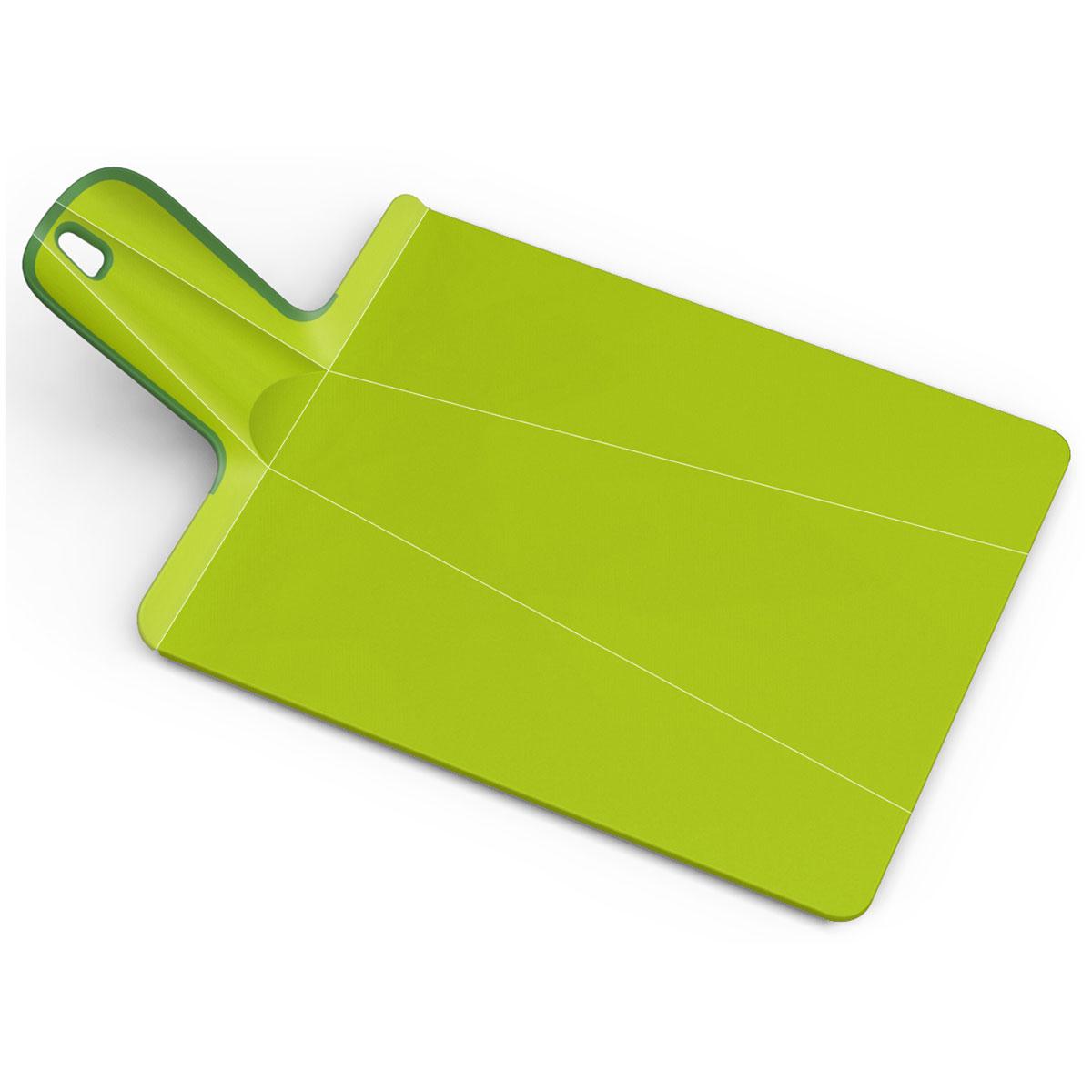 Доска разделочная Joseph Joseph Chop2Pot. Mини, цвет: зеленый, 17 х 32 см391602Разделочная доска Joseph Joseph Chop2Pot. Mини изготовлена из прочного пищевого пластика со специальным покрытием, которое предотвращает прилипание пищи и сохраняет ножи острыми. Удобная ручка оснащена прорезиненными вставками, что обеспечивает надежный хват и комфорт во время использования. Обратная сторона доски снабжена такими же вставками для предотвращения скольжения по поверхности стола. Благодаря изгибам в определенных местах, доска удобно сворачивается и позволяет аккуратно пересыпать все, что вы нарезали. Всем знакомо, как неудобно ссыпать порезанные овощи в кастрюлю, но с этим приспособлением вы одним движением превратите разделочную доску в удобный совок, и все попадет по назначению. Можно мыть в посудомоечной машине. Размер доски: 17 см х 32 см.Длина ручки: 9,5 см.