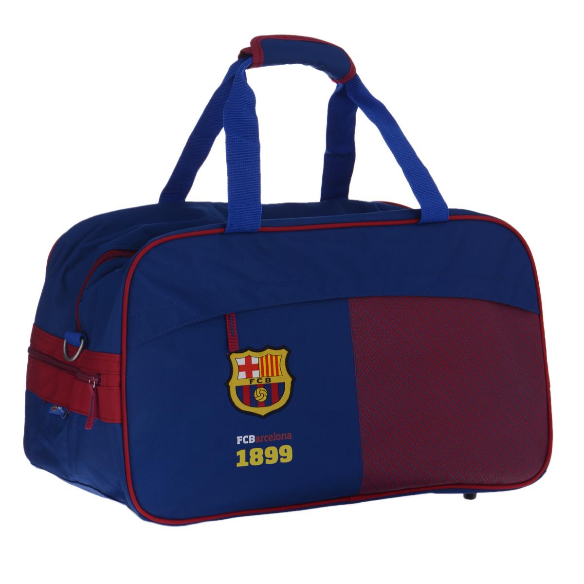 FC Barcelona Сумка спортивная цвет синий красный72523WDСпортивная сумка Barcelona FC понравится любому фанату команды или просто активному человеку, занимающемуся спортом.Сумка изготовлена из высококачественного износостойкого полиэстера и оформлена нашивным логотипом футбольного клуба Барселона - знаменитого каталонского клуба из одноимённого города, одного из сильнейших в Испании и в мире.Сумка состоит из одного вместительного отделения, закрывается на застежку-молнию. Спереди расположен прорезной карман на застежке-молнии, прикрытый клапаном для предотвращения попадания влаги. Внутри кармана находятся два открытых кармана для мелочей, карман для мобильного телефона с клапаном на липучке, накладной карман-сеточка на застежке-молнии и кольцо для ключей. Сумка имеет съемное твердое дно, которое при необходимости можно удалить для облегчения веса. Сумка имеет удобные ручки, скрепляющиеся хлястиком на липучке, а также съемный плечевой ремень, регулирующийся по длине, со специальной накладкой для комфортной переноски на плече. Сумка очень просторная, в ней без труда поместится спортивная форма или сменная одежда. Дно оснащено пластиковыми ножками, обеспечивающими необходимую устойчивость.Спортивная сумка - незаменимый аксессуар для любого человека, занимающегося спортом или посещающего тренажерный зал. А сумка с логотипом любимой команды станет отличным подарком для футбольного болельщика. Сумка является официальной лицензионной продукцией FCB.