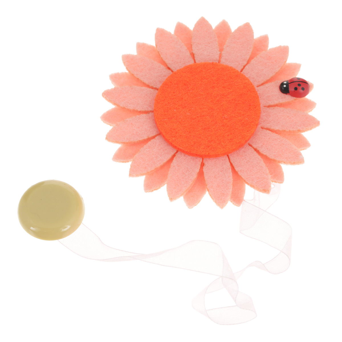 Клипса-магнит для штор Calamita Fiore, цвет: бледно-розовый, рыжий. 7704012_5511004900000360Клипса-магнит Calamita Fiore, изготовленная из пластика и текстиля, предназначена для придания формы шторам. Изделие представляет собой два магнита, расположенные на разных концах текстильной ленты. Один из магнитов оформлен декоративным цветком. С помощью такой магнитной клипсы можно зафиксировать портьеры, придать им требуемое положение, сделать складки симметричными или приблизить портьеры, скрепить их. Клипсы для штор являются универсальным изделием, которое превосходно подойдет как для штор в детской комнате, так и для штор в гостиной. Следует отметить, что клипсы для штор выполняют не только практическую функцию, но также являются одной из основных деталей декора этого изделия, которая придает шторам восхитительный, стильный внешний вид. Материал: пластик, полиэстер, магнит.Диаметр декоративного цветка: 9 см.Диаметр магнита: 2,5 см.Длина ленты: 28 см.