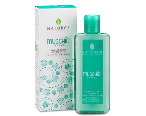 Natures Гель для ванны и душа Muschio, 200 млZ-39Тонизирующий гель с эффектом шелка на основе цветочных экстрактов и мягких растительных тензио-активных составляющих деликатно очищает, сохраняя оптимальный кожный баланс. Легкий намек аромата Мускуса растворяется в чистой воде. Свежий как дыхание, с цветочным сердцем и базовыми нотами Мускуса в теплой и обволакивающей ауре на коже. Цитрусовые и бархатистые ноты Белых Цветов наполняет ароматами и дарит ощущение комфорта и благополучия.