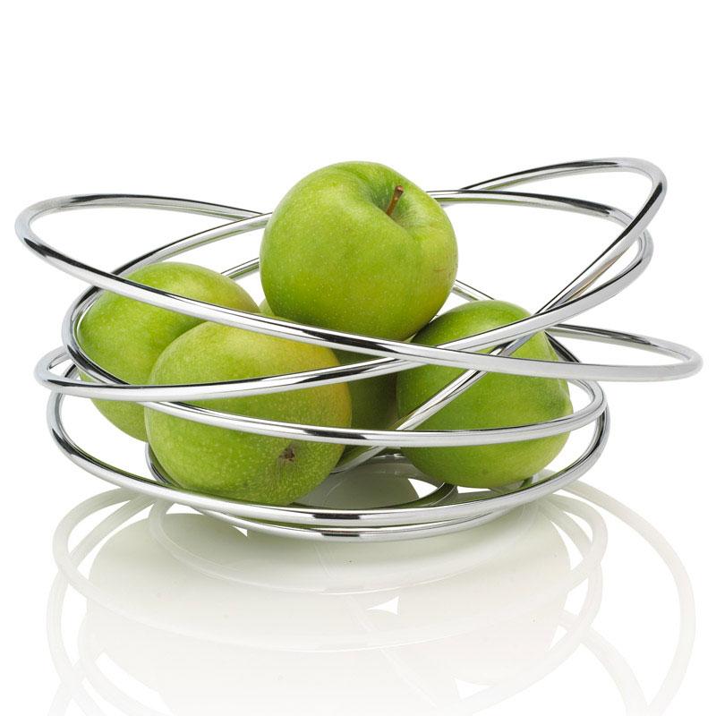 Ваза для фруктов Black+Blum Loop, 25 х 24 х 12 смFS-91909Ваза Black+Blum Loop прекрасно подойдет для красивой сервировки фруктов. Она выполнена из высококачественной стали. Оригинальный дизайн придется по вкусу и ценителям классики, и тем, кто предпочитает утонченность и изысканность. Ваза для фруктов Black+Blum Loop украсит сервировку вашего стола и подчеркнет прекрасный вкус хозяина, а также станет отличным подарком.