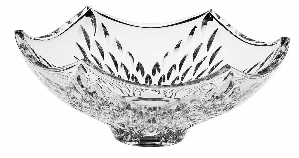 Салатник Crystal Bohemia, диаметр 33 см. 990/60410/0/54100/330-10968/5/3Салатник Crystal Bohemia изготовлен из хрусталя и выполнен в форме большой чаши с заостренными краями, декорирован красивым рельефом. Данный салатник сочетает в себе изысканный дизайн с максимальной функциональностью. Он прекрасно впишется в интерьер вашей кухни и станет достойным дополнением к кухонному инвентарю. Такой салатник не только украсит ваш кухонный стол и подчеркнет прекрасный вкус хозяйки, но и станет отличным подарком.Диаметр: 33 см.Высота: 14 см.