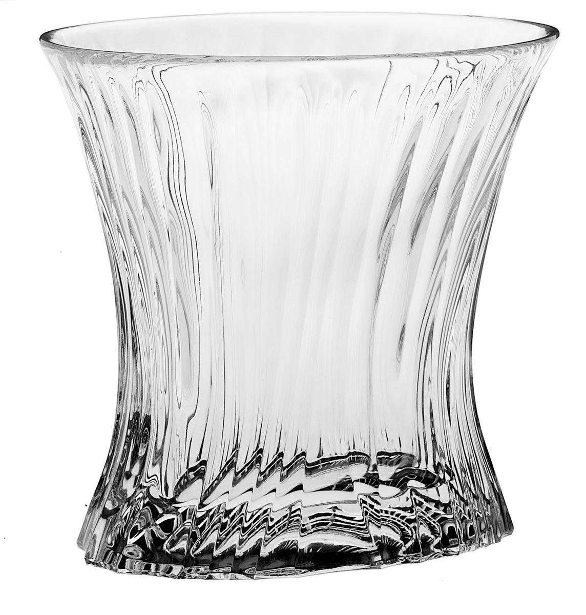 Набор стаканов Crystal Bohemia, 250 мл, 6 шт. 990/21205/0/05101/250-609VT-1520(SR)Набор Crystal Bohemia состоит из шести стаканов. Изделия выполнены из хрусталя. Предметы набора имеют прозрачную поверхность и декорированы рельефом. Они излучают приятный блеск и издают мелодичный звон.Набор Crystal Bohemia прекрасно оформит интерьер кабинета или гостиной и станет отличным дополнением бара. Такой набор также станет хорошим подарком к любому случаю. Диаметр стакана (по верхнему краю): 10 см. Высота стакана: 9,5 см. Размер дна стакана: 8,5 см х 6 см.