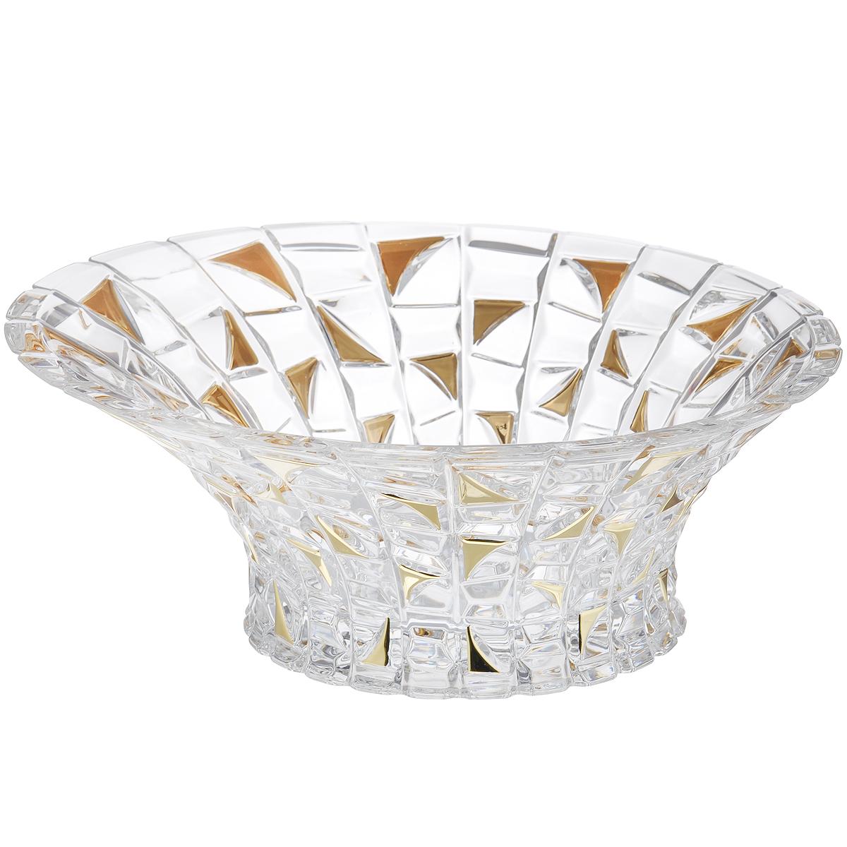 Салатник Crystal Bohemia Patriot Gold, диаметр 33 см115510Салатник Crystal Bohemia Patriot Gold изготовлен из хрусталя и выполнен в форме большой чаши, декорированной рельефным рисунком с вставками золотистого цвета. Стенки салатника плавно переходят с высокой на низкую. Данный салатник сочетает в себе изысканный дизайн с максимальной функциональностью. Он прекрасно впишется в интерьер вашей кухни и станет достойным дополнением к кухонному инвентарю. Такой салатник не только украсит ваш кухонный стол и подчеркнет прекрасный вкус хозяйки, но и станет отличным подарком.Диаметр: 33 см.Высота (по высокой стенке): 13,5 см.Высота (по низкой стенке): 11,5 см.Диаметр дна: 18 см.
