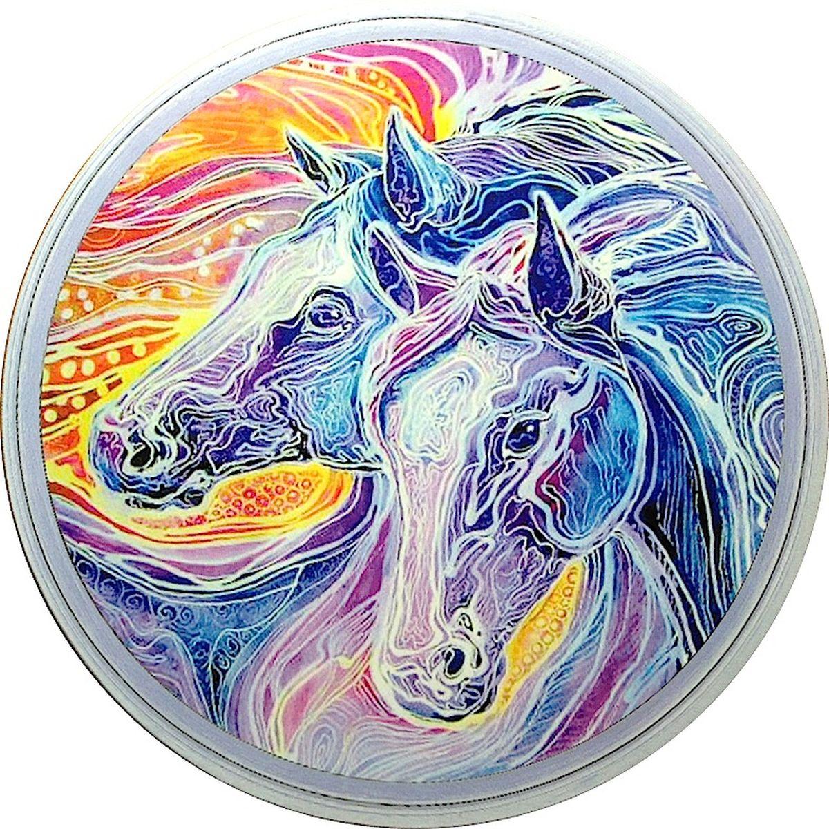 Подставка под горячее GiftnHome Фантазии о лошадях, диаметр 17 см115510Круглая подставка под горячее GiftnHome Фантазии о лошадях выполнена из пробки. Изделие, украшенное красочным изображением лошадей, идеально впишется в интерьер современной кухни. Ламинированное покрытие изделий обеспечивает стойкость к высоким температурам. Изделия легко очистить от пятен влажной губкой.Каждая хозяйка знает, что подставка под горячее - это незаменимый и очень полезный аксессуар на каждой кухне. Ваш стол будет не только украшен оригинальной подставкой с красивым рисунком, но и сбережен от воздействия высоких температур ваших кулинарных шедевров. Не рекомендуется полностью погружать изделие в воду. Предельная температура 90°С. Диаметр подставки: 17 см.Толщина подставки: 0,5 см.