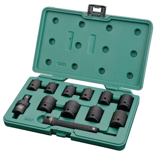 Набор торцевых головок SATA 12пр. 0900915427Набор ударных головок Sata используется с пневматическим инструментом монтажа и демонтажа крепежа колесных дисков. Инструменты изготовлены из хром-молибденовой стали, что обеспечивает им долгий срок службы. В комплекте пластиковый кейс для хранения и переноски.Состав набора:Метрические шестигранные торцевые головки: 10 мм, 11 мм, 13 мм, 14 мм, 17 мм, 19 мм, 21 мм, 22 мм, 23 мм, 24 мм.Ударный карданный шарнир.Ударный отклоняемый удлинитель длиной 5 дюймов.