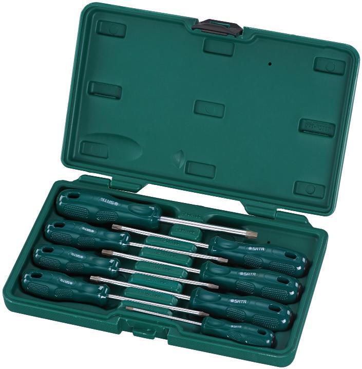 Набор отверток SATA 8пр. 0930580621Набор отверток Sata предназначен для монтажа/демонтажа резьбовых соединений. Все инструменты в наборе выполнены из высококачественной хромованадиевой стали. Отвертки оснащены рифлеными пластиковыми рукоятками, обеспечивающими надежный и удобный хват. В комплекте пластиковый кейс для переноски и хранения.Состав набора:Отвертки Torx: Т40 х 100 мм, Т30 х 100 мм, Т20 х 100 мм, Т27 х 100 мм, Т15 х 100 мм, Т25 х 100 мм, Т10 х 100 мм, Т8 х 75 мм.Общая длина отверток: 16 см, 3 х 20,5 см, 2 х 21,5 см, 21 см, 22,5 см.