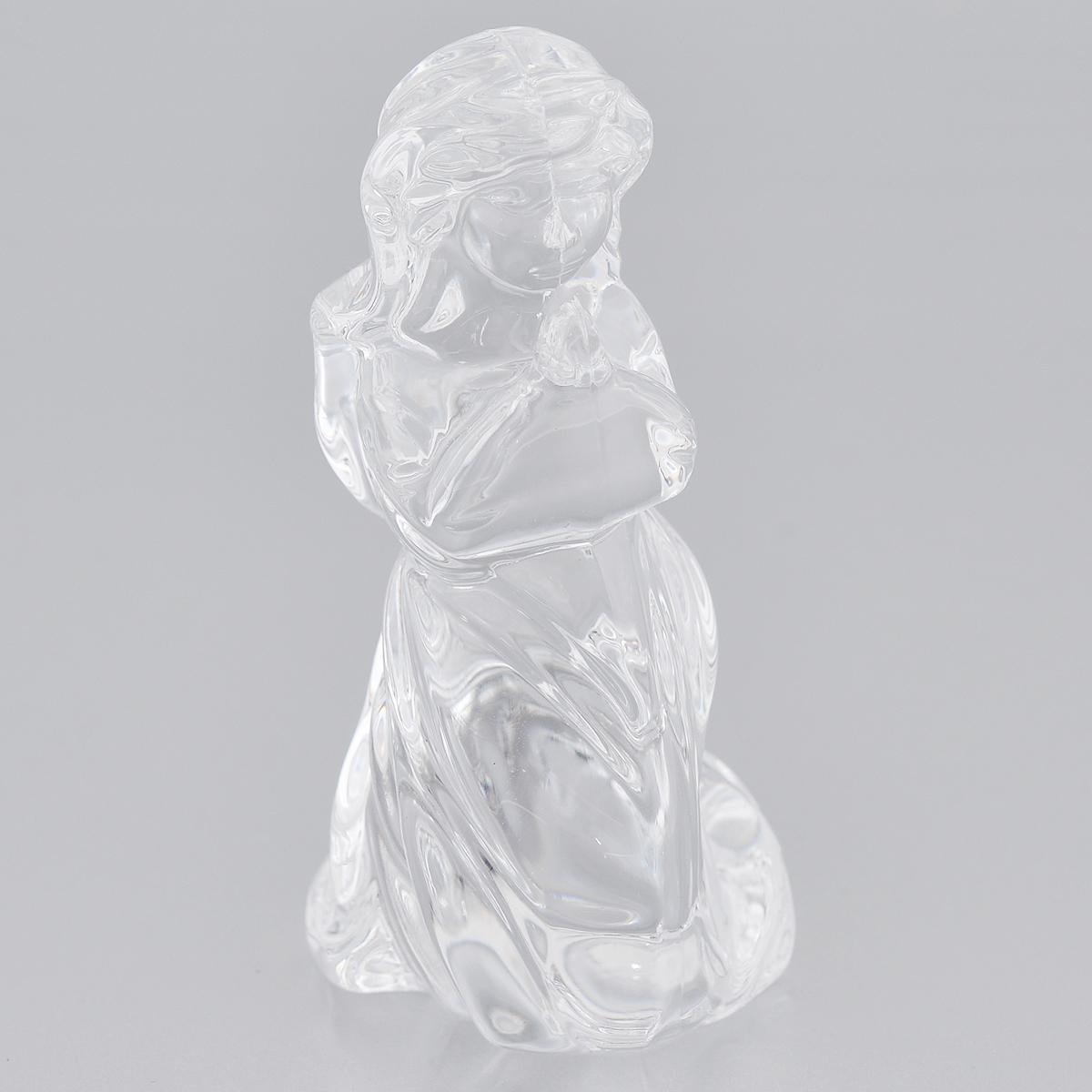Фигурка декоративная Crystal Bohemia Ангел, высота 8 см427117Фигурка Crystal Bohemia Ангел изготовлена из высококачественного хрусталя. Фигурка выполнена в виде ангела и сочетает в себе изысканный дизайн и лаконичность. Она прекрасно подойдет для декора интерьера дома или офиса и станет достойным дополнением к вашей коллекции. Вы можете поставить фигурку в любом месте, где она будет удачно смотреться и радовать глаз. Кроме того - это отличный вариант подарка для ваших близких и друзей. Высота: 8 см.