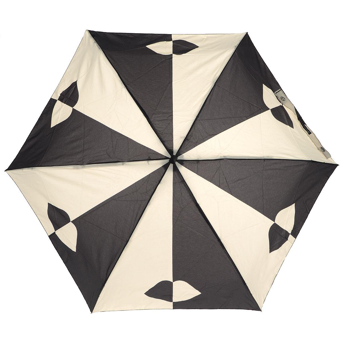 """Зонт женский Lulu Guinness Stone Black Lips, механический, 5 сложений, цвет: черный, бежевыйП250071001-22Стильный зонт """"Stone Black Lips"""" защитит от непогоды, а его сверхкомпактный размер позволит вам всегда носить его с собой. """"Ветростойкий"""" каркас зонта выполнен из алюминия и состоит из шести спиц с элементами из фибергласса, зонт оснащен удобной рукояткой из прорезиненного пластика. Купол зонта выполнен из прочного полиэстера и оформлен принтом в виде губ. На рукоятке для удобства есть небольшой шнурок, позволяющий надеть зонт на руку тогда, когда это будет необходимо. К зонту прилагается чехол.Зонт механического сложения: купол открывается и закрывается вручную, стержень также складывается вручную до характерного щелчка. Характеристики: Материал: алюминий, фибергласс, пластик, полиэстер. Цвет: черный, бежевый. Диаметр купола: 87 см. Длина зонта в сложенном виде: 15 см. Длина ручки (стержня) в раскрытом виде:50 см.Вес: 158 г. Артикул: L717 3F2679."""