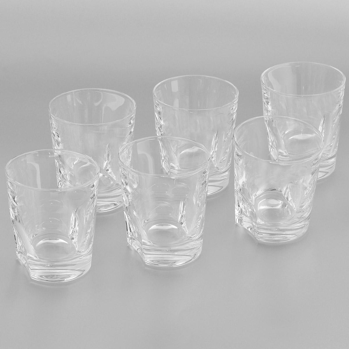 Набор стаканов Crystal Bohemia, 300 мл, 6 штVT-1520(SR)Набор Crystal Bohemia состоит из шести стаканов. Изделия выполнены из прочного высококачественного хрусталя. Они излучают приятный блеск и издают мелодичный звон. Набор предназначен для подачи виски, бренди или коктейлей. Набор Crystal Bohemia прекрасно оформит интерьер кабинета или гостиной и станет отличным дополнением бара. Такой набор также станет хорошим подарком к любому случаю. Диаметр по верхнему краю: 8 см.Высота стакана: 9 см.Размер основания: 6,8 см х 5 см.