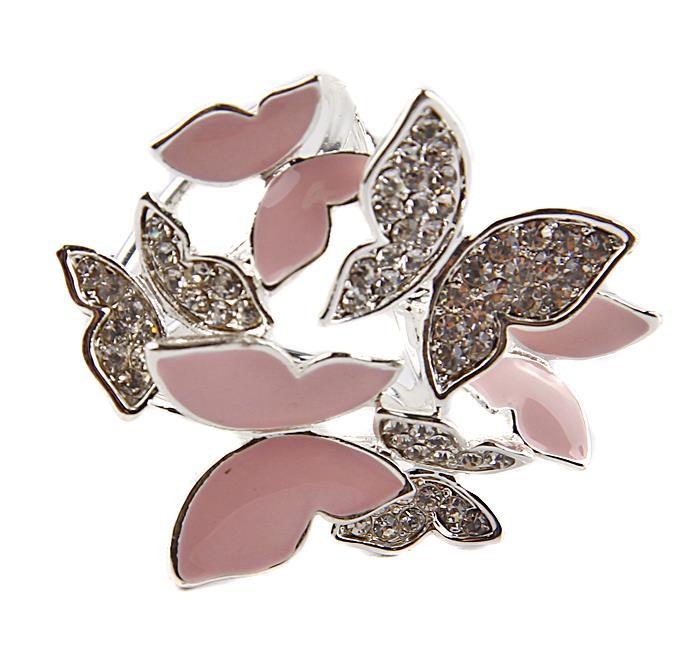 Зажим для платка/шарфа Бабочки. Металл, эмаль, австрийские кристаллы. Сингапур, начало XXI векаЗапонки симметричныеЗажим для платка/шарфа Бабочки. Металл, эмаль, австрийские кристаллы. Сингапур, начало XXI века. Размеры 3,5 х 3 х 2,5 см. Сохранность хорошая. Зажимы-трубочки для шарфов и платков являются очень стильными и изящными аксессуарами, уместными и в повседневном ношении, и по особому случаю. Такой зажим позволяет закрепить и украсить шарф или платок и на шее, и на поясе, и на голове.Этот стильный аксессуар станет изысканным украшением для романтичной и творческой натуры и гармонично дополнит Ваш наряд, станет завершающим штрихом в создании модного образа.