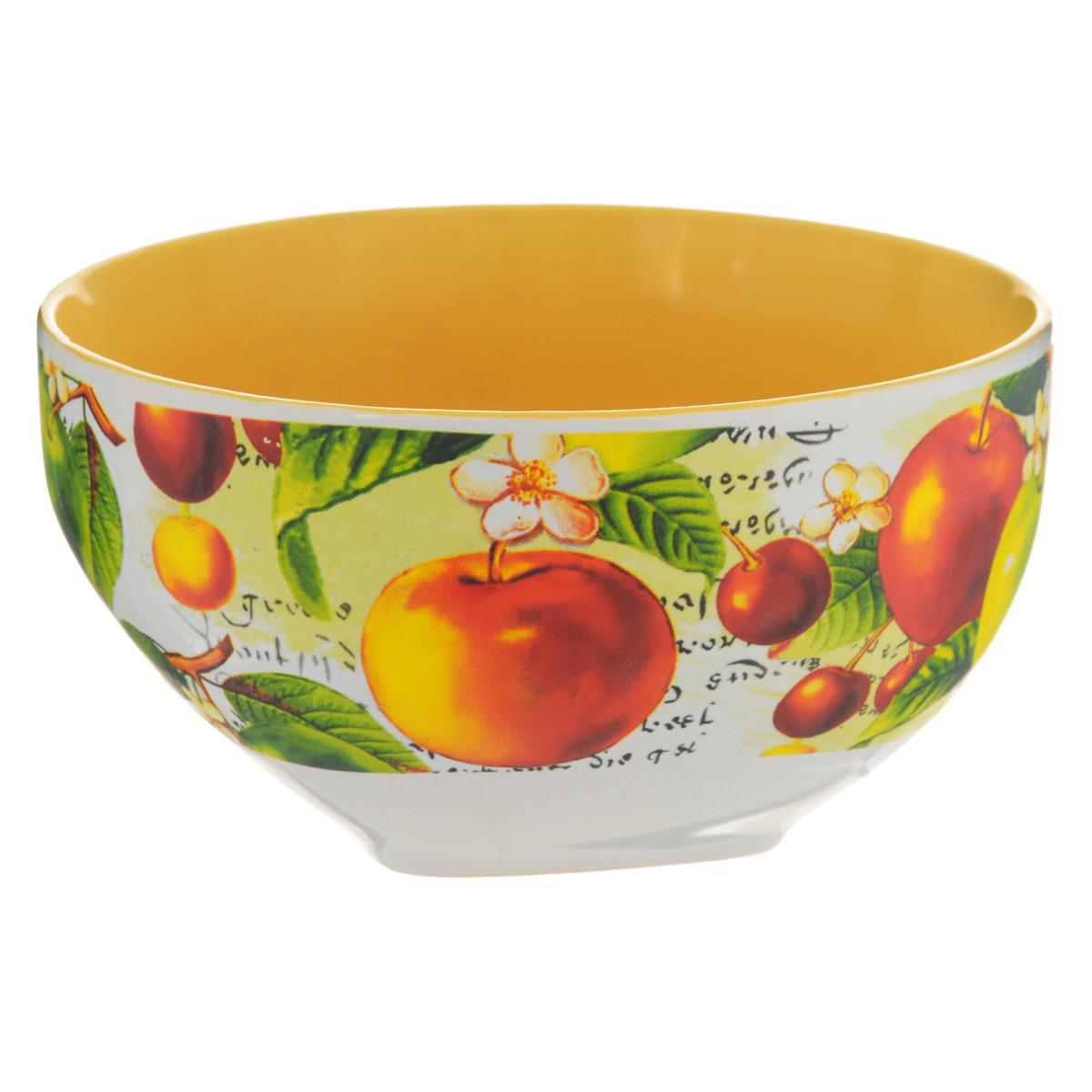 Салатник Ассорти, 510 мл54 009312Салатник Ассорти изготовлен из высококачественной керамики и декорирован ярким изображением вишни и яблок. Он прекрасно впишется в интерьер вашей кухни и станет достойным дополнением к кухонному инвентарю. Такой салатник не только украсит ваш кухонный стол и подчеркнет прекрасный вкус хозяйки, но и станет отличным подарком.Можно использовать в посудомоечной машине и микроволновой печи. Объем салатника: 510 мл. Диаметр салатника: 13 см. Высота салатника: 7 см.