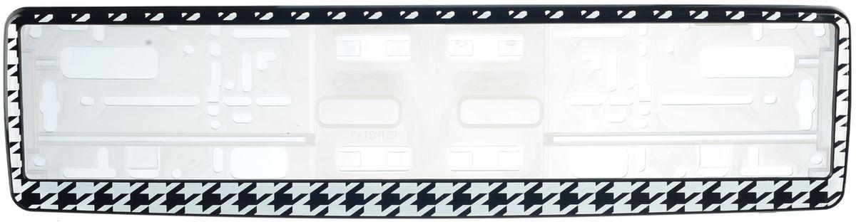 Рамка под номер Гусиные лапки94672Рамка Гусиные лапки не только закрепит регистрационный знак на вашем автомобиле, но и красиво его оформит. Основание рамки выполнено из полипропилена, материал лицевой панели - пластик.Она предназначена для крепления регистрационного знака российского и европейского образца, декорирована орнаментом. Устанавливается на все типы автомобилей. Крепления в комплект не входят.Стильный дизайн идеально впишется в экстерьер вашего автомобиля.Размер рамки: 53,5 см х 13,5 см. Размер регистрационного знака: 52,5 см х 11,5 см.