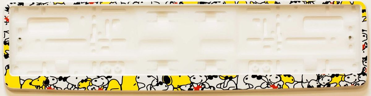 Рамка под номер СобачкиВетерок 2ГФРамка Собачки не только закрепит регистрационный знак на вашем автомобиле, но и красиво его оформит. Основание рамки выполнено из полипропилена, материал лицевой панели - пластик.Она предназначена для крепления регистрационного знака российского и европейского образца, декорирована изображением милых собачек. Устанавливается на все типы автомобилей. Крепления в комплект не входят.Стильный дизайн идеально впишется в экстерьер вашего автомобиля.Размер рамки: 53,5 см х 13,5 см. Размер регистрационного знака: 52,5 см х 11,5 см.