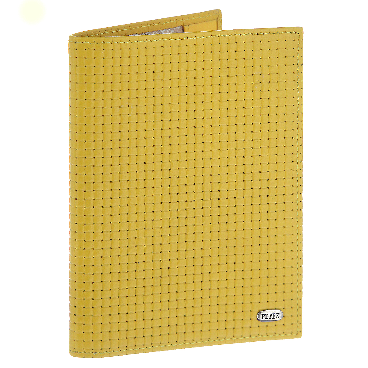 Обложка для паспорта PetekINT-06501Обложка на паспорт Petek выполнена из натуральной высококачественной кожи с фактурным тиснением и оформлена металлической пластиной с надписью в виде логотипа бренда. Внутри обложка отделана атласным текстилем. На внутреннем развороте имеет два кармана из натуральной кожи для надежной фиксации.Стильная обложка не только защитит ваши документы, но и станет аксессуаром, подчеркивающим ваш образ. Изделие упаковано в фирменную коробку коричневого цвета с логотипом фирмы Petek 1855.