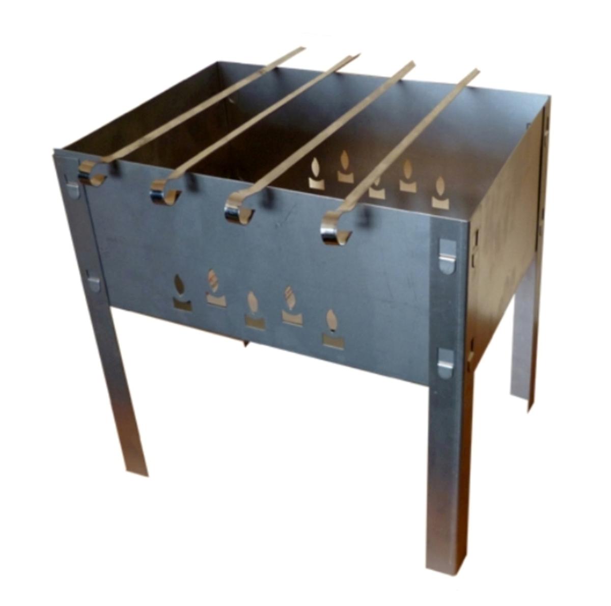 Мангал сборный Грилькофф Мини, 4 шампура, 35 см х 35 см х 25 смТДД13991Сборный переносной мангал Грилькофф Мини изготовлен из нержавеющей стали. Предназначен для приготовления мяса, птицы, рыбы, овощей на открытом воздухе. Мангал хорошо поддерживает жар, не требуя большого количества топлива. Простота и легкость конструкции мангала обеспечивают его быструю сборку и длительную эксплуатацию. В разобранном виде мангал очень компактен, благодаря чему он не занимает много места, например, в багажнике автомобиля. В комплекте с мангалом 4 шампура. Размер мангала: 35 см х 35 см х 25 см.