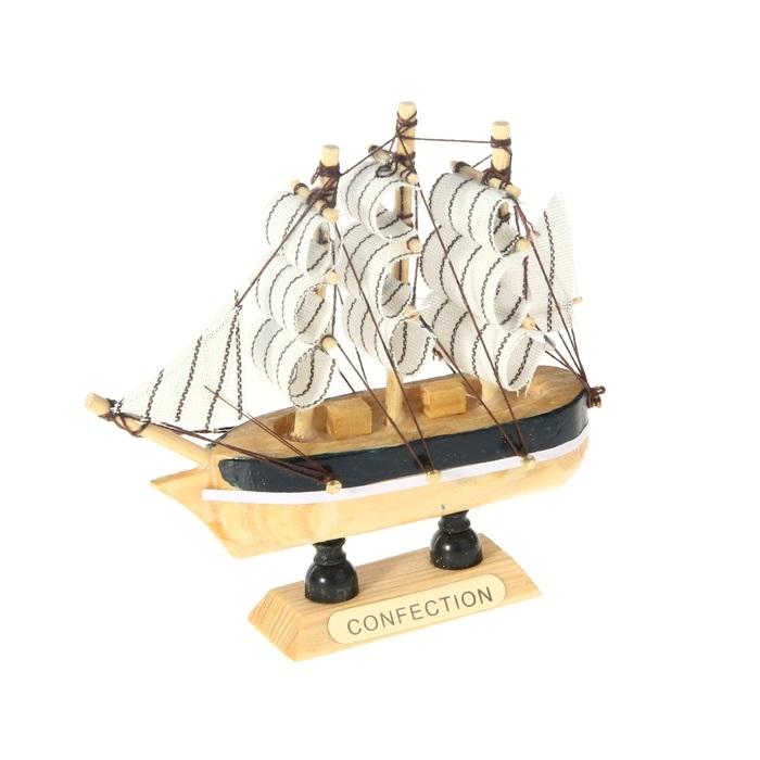 Корабль сувенирный Confection, длина 10 см. 805882RG-D31SСувенирный корабль Confection, изготовленный из дерева и текстиля, это великолепный элемент декора рабочей зоны в офисе или кабинете. Корабль с парусами помещен на деревянную подставку. Время идет, и мы становимся свидетелями развития технического прогресса, новых учений и практик. Но одно не подвластно времени - это любовь человека к морю и кораблям. Сувенирный корабль наполнен историей и силой океанских вод. Данная модель кораблика станет отличным подарком для всех любителей морей, поклонников историй о покорении океанов и неизведанных земель. Модель корабля - подарок со смыслом. Издавна на Руси считалось, что корабли приносят удачу и везение. Поэтому их изображения, фигурки и точные копии всегда присутствовали в помещениях. Удивите себя и своих близких необычным презентом.