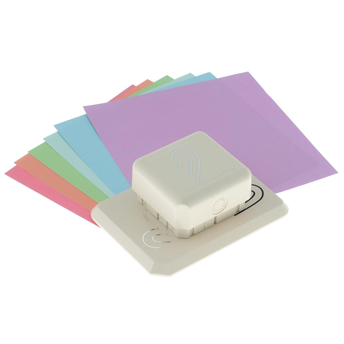 Фигурный дырокол Martha Stewart Сердце для создания объемных украшенийFS-00897Фигурный дырокол Martha Stewart Сердце используется для создания объемных украшений в скрапбукинге для оформления подарков, при создании открыток, скрап-страниц, украшении фотоальбомов. Фигурный дырокол имеет базу на магнитной основе - можно создать рисунок в любом месте бумаги. Инструмент состоит из основы и фигурного дырокола. На ходовой части дырокола с торцов нанесены направляющие стрелки. В комплекте также имеются 6 листов разноцветного картона и подробная инструкция на русском языке. Порядок работы: положите лист бумаги на основу, присоедините дырокол к основе до притяжения магнитов, сделайте вырубку, сдвиньте лист до совпадения вырубки с рисунком на основе, сделайте следующую вырубку. После вырубки всего дизайна отогните вырубленные части и загните их под края предыдущих секций. Виды вырубки: круг 9 см, круг 15 см, вырубка по прямой. Сделайте подложку для листа с вырубкой для наибольшего эффекта. Размер инструмента: 12,5 см х 9 см х 5 см.