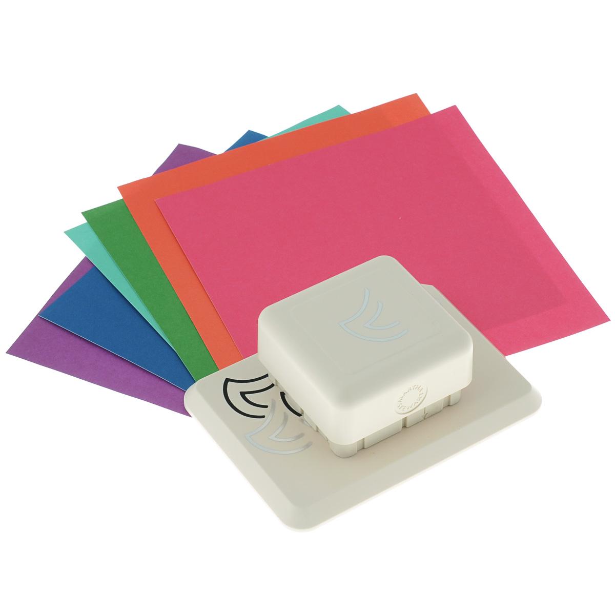 Фигурный дырокол Martha Stewart Георгин для создания объемных украшенийFS-54114Фигурный дырокол Martha Stewart Георгин используется для создания объемных украшений в скрапбукинге для оформления подарков, при создании открыток, скрап-страниц, украшении фотоальбомов. Фигурный дырокол имеет базу на магнитной основе - можно создать рисунок в любом месте бумаги. Инструмент состоит из основы и фигурного дырокола. На ходовой части дырокола с торцов нанесены направляющие стрелки. В комплекте также имеются 6 листов разноцветного картона и подробная инструкция на русском языке. Порядок работы: положите лист бумаги на основу, присоедините дырокол к основе до притяжения магнитов, сделайте вырубку, сдвиньте лист до совпадения вырубки с рисунком на основе, сделайте следующую вырубку. После вырубки всего дизайна отогните вырубленные части и загните их под края предыдущих секций. Виды вырубки: круг 9 см, круг 15 см, вырубка по прямой. Сделайте подложку для листа с вырубкой для наибольшего эффекта.Размер инструмента: 12,5 см х 9 см х 5 см.