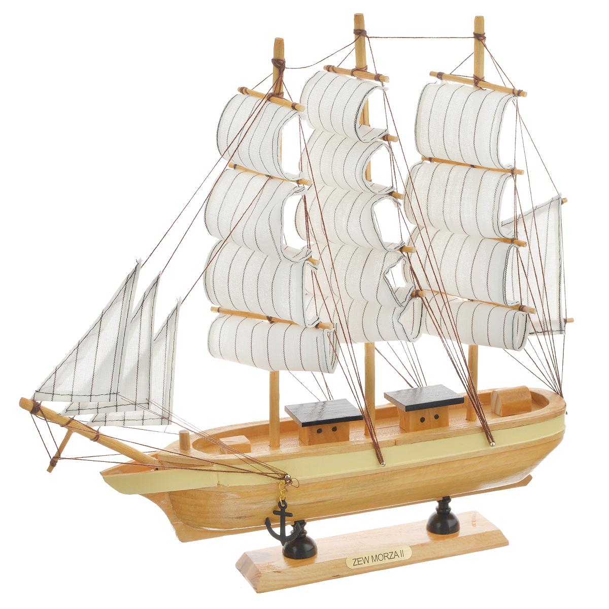 Корабль сувенирный Zew Morza, длина 32 смTHN132NСувенирный корабль Zew Morza, изготовленный из дерева и текстиля, это великолепный элемент декора рабочей зоны в офисе или кабинете. Корабль с парусами и якорями помещен на деревянную подставку. Время идет, и мы становимся свидетелями развития технического прогресса, новых учений и практик. Но одно не подвластно времени - это любовь человека к морю и кораблям. Сувенирный корабль наполнен историей и силой океанских вод. Данная модель кораблика станет отличным подарком для всех любителей морей, поклонников историй о покорении океанов и неизведанных земель. Модель корабля - подарок со смыслом. Издавна на Руси считалось, что корабли приносят удачу и везение. Поэтому их изображения, фигурки и точные копии всегда присутствовали в помещениях. Удивите себя и своих близких необычным презентом.