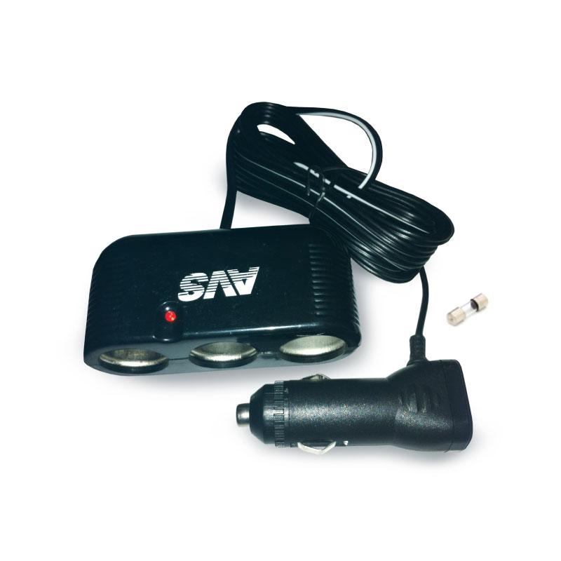 Разветвитель прикуривателя AVS CS301, со светодиодной подсветкой, 3 выхода, 12/24ВR0003908Разветвитель прикуривателя AVS CS301 увеличивает количество гнезд прикуривателя и рассчитан на подключение нескольких различных электрических приборов, например, автомобильного чайника или термокружки. Выполнен из тугоплавкого пластика. Имеет защиту от короткого замыкания - плавкий предохранитель в корпусе штекера. Это устройство незаменимо при выездах на природу, да и просто в поездках по городу. Имеет 3 гнезда прикуривателя.